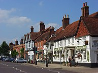 Image of Odiham High Street By Andrew Smith, CC BY-SA 2.0, https://commons.wikimedia.org/w/index.php?curid=13647372